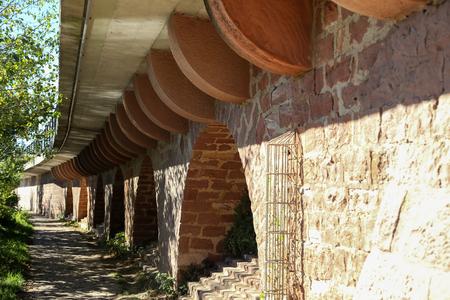 Wall  Wall of sandstone Standard-Bild - 110943541