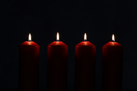 Advent Season, four candles burning. Advent background. Standard-Bild - 110763920