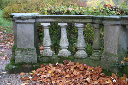 Old balustrade / Old balustrade / Details / Fragment of Architecture Standard-Bild - 111689699