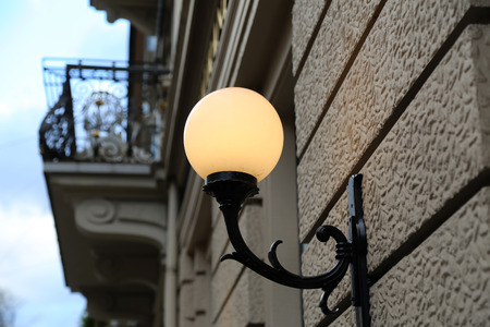 Stadt / Straßenlaterne / Vintage Straße Lampe close-up Standard-Bild - 92760874