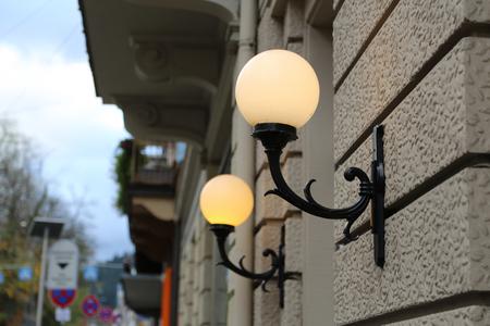Stadt / Straßenlicht / Vintage Straßenlaterne Nahaufnahme. Standard-Bild - 92760880