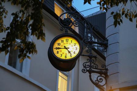Beautiful city clock Standard-Bild - 93127862