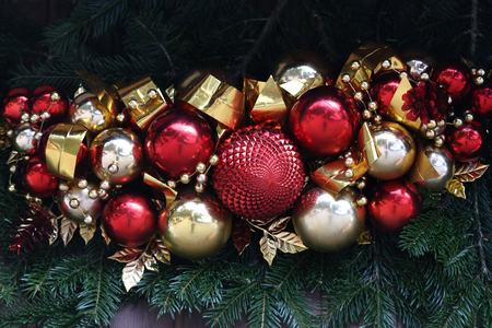 Schöne Weihnachten und neue Sommerszene Standard-Bild - 92743070