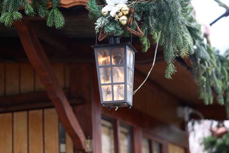 Schöne Weihnachten und neue Sommerszene Standard-Bild - 92725235