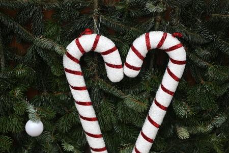Schöne Weihnachten und neue Sommerszene Standard-Bild - 92714061