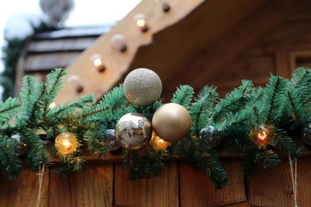Weihnachten / schöne Weihnachten und neue Sommerszene Standard-Bild - 92610283