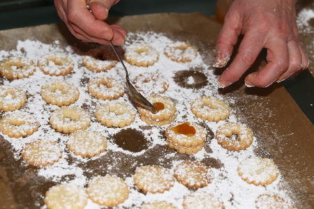 Bake cookies for Christmas / Beautiful Christmas and New Years scene Standard-Bild - 111689703