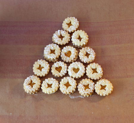 Bake cookies for Christmas / Beautiful Christmas and New Years scene Standard-Bild - 111689721