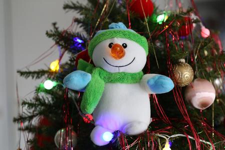 Weihnachten / schöne Weihnachten und neue Sommerszene Standard-Bild - 93748232