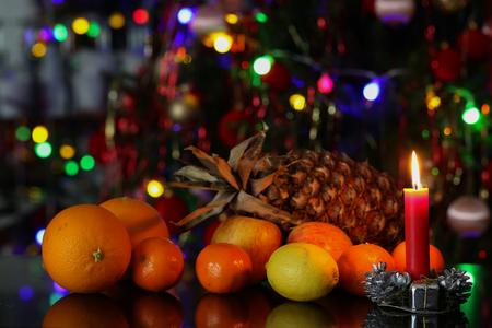 Weihnachten / schöne Weihnachten und neue Sommerszene Standard-Bild - 93739422