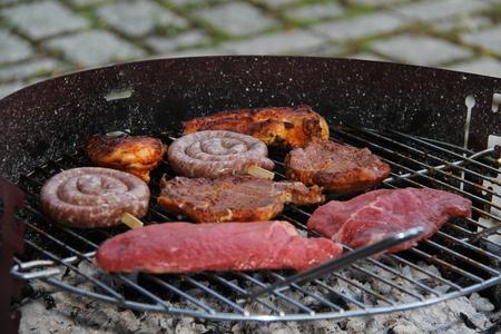 Meat is grilled Standard-Bild - 115687113