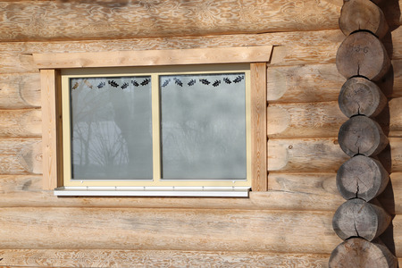 Window / Log cabin home Standard-Bild - 115687075