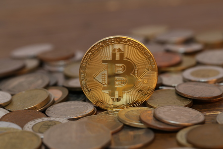 Bitcoin. Physical bit coin. Digital currency. Crypto currency. Standard-Bild - 111689168