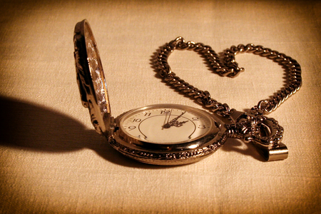 Pocket watch with chain, lined in the shape of a heart