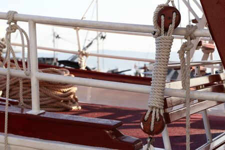 Ropes, cords and other details of pleasure boats.