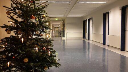 Decorated Christmas tree in a hospital Фото со стока