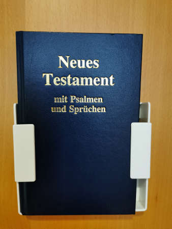 The New Testament. Translation - The New Testament with psalms and sayings Standard-Bild