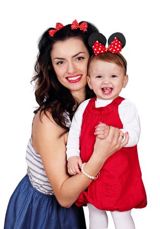 Giovane madre con figlia piccola, ragazze felici. isolato su sfondo bianco Archivio Fotografico - 56481435