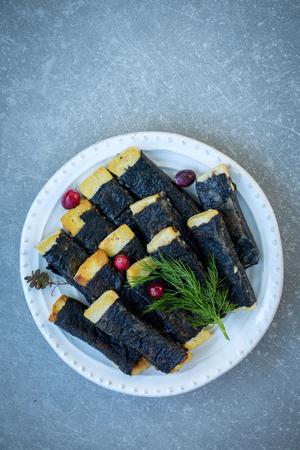 Tofu with nori, top view Imagens