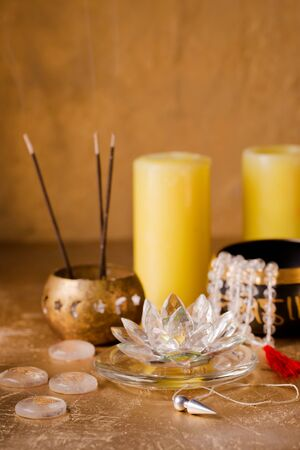 singing bowls and pendulum for healing in reiki flow