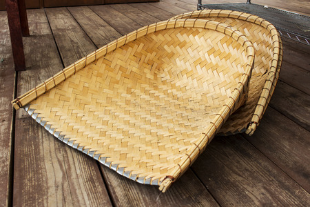 clam gardens: clam-shell shaped basket made from bamboo; the instrument use for carried soil in the garden.