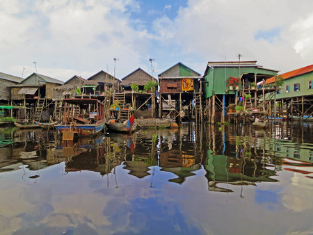 sap: Kampong Phluk, floating village onTonle Sap, Cambodia