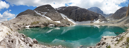 Lago dAntermoia, South Tyrol, Italy