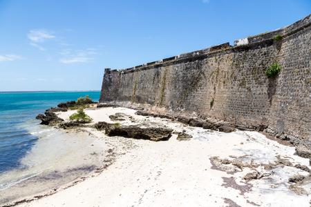 Empty yellow sandy beach near S?o Sebasti?o (San Sebastian, Sao Sebastiao), Mozambique island (Ilha de Mocambique), Indian Ocean coast, Mo?ambique. Portuguese East Africa 版權商用圖片