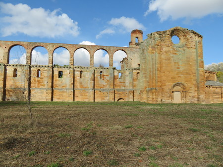 Ancient monastery of monks who unfortunately is in ruins.