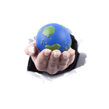mujer mano sosteniendo mundo planeta tierra - fondo blanco Foto de archivo - 4864019
