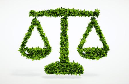 gerechtigkeit: Isoliert 3d render eco Waage mit weißem Hintergrund