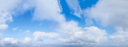panorama blue sky with clouds 免版税图像