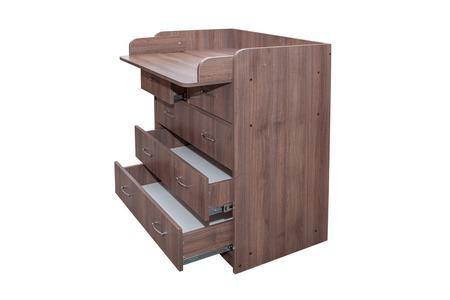 muebles de madera: Mueble. pecho de cajones de madera de color marrón sobre un fondo blanco Foto de archivo