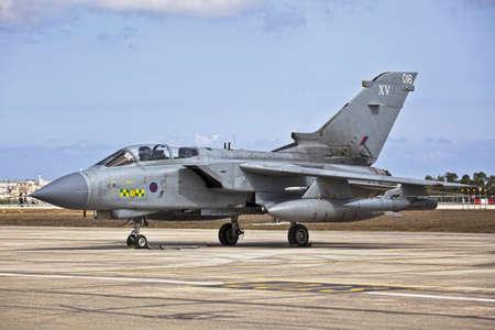 マルタ国際空港、マルタ - 9 月 25 日 - RAF マルタ国際航空ショー 2011年中 15 戦隊竜巻 報道画像