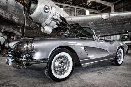 美しい古典的なアメリカの自動車 - コルベット 1962 報道画像