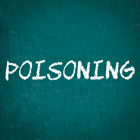 poisoning: Avvelenamento scritta sulla lavagna