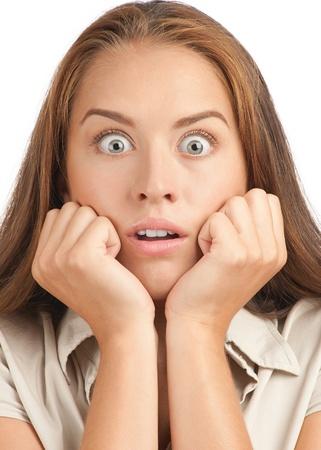 occhi sbarrati: Ritratto di donna eccitata giovane sorpreso con gli occhi spalancati