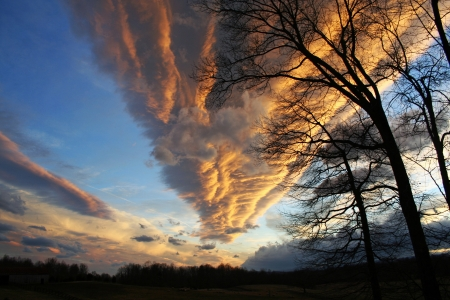 Dramatic cloud formation at sunset