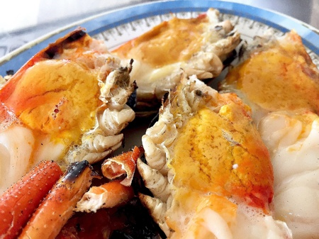 Have a lunch with grilled prawns. Imagens