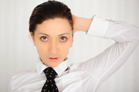 mujer con corbata: mujer blanca en un empate Foto de archivo