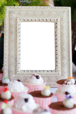 frame cupcakes