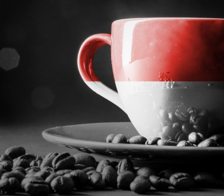 一杯のコーヒーでインドネシアの国旗