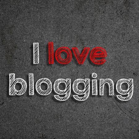 Ik hou van mijn blog geschreven met wit krijt op een schoolbord