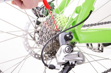 bicycle repair bicycle or preparing for the season, derailleur adjustment