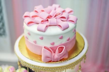 Beau gâteau pour l'événement de mariage Banque d'images - 21196627