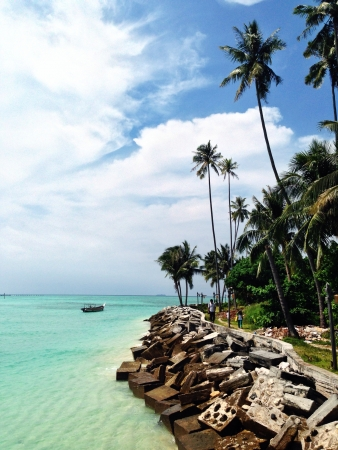 mabul: beautiful beach in mabul island