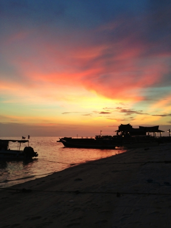 mabul: beautiful sunset in mabul island