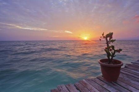 mooie pastel kleuren zonsondergang in Mabul Island Stockfoto