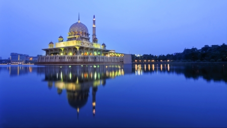 Putrajaya red mosque photo