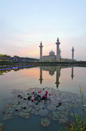 islamic wonderful: The Tengku Ampuan Jemaah Mosque, Bukit Jelutong, Malaysia